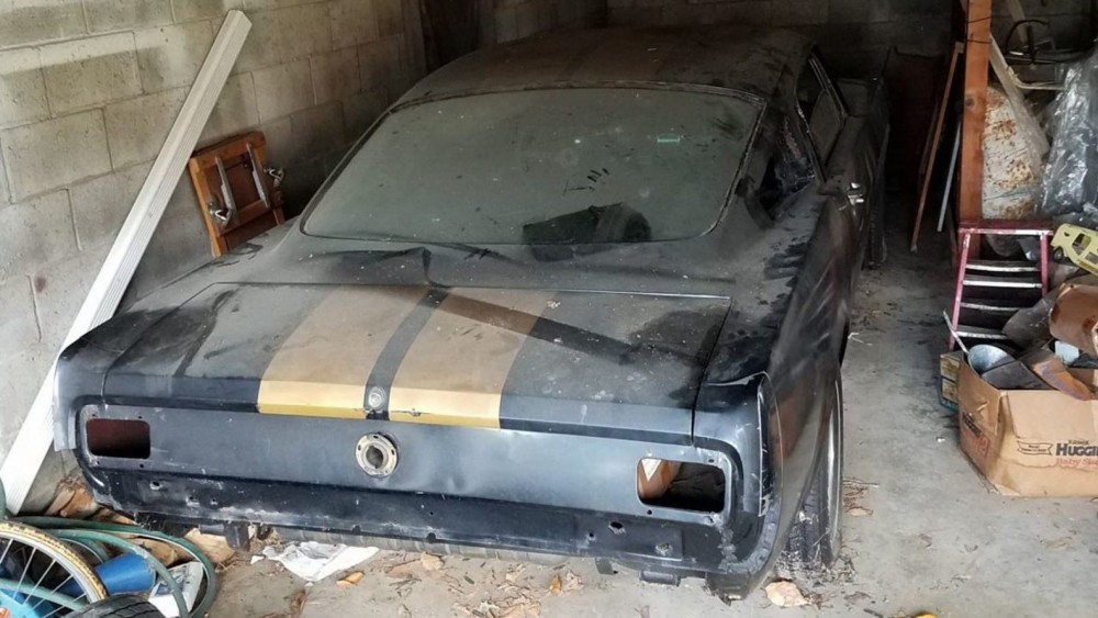 """Rare 1966 Shelby GT350H Found In An """"Old Lady's Garage"""""""