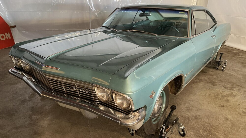 The most infamous rental car auctioned for $45K