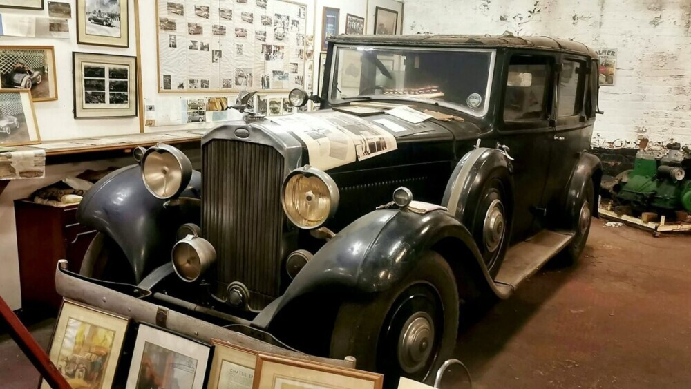 King Edward car used to secretly court Wallace Simpson up for auction