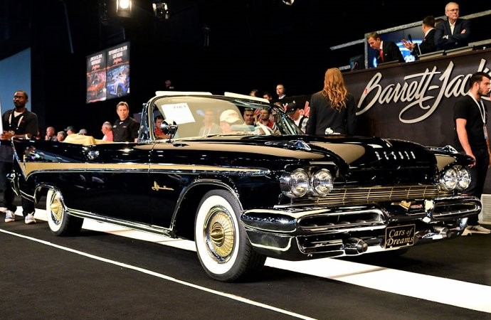 "2018 Palm Beach Barrett Jackson Highlighted By ""Cars Of Dreams"" and Burt Reynolds"