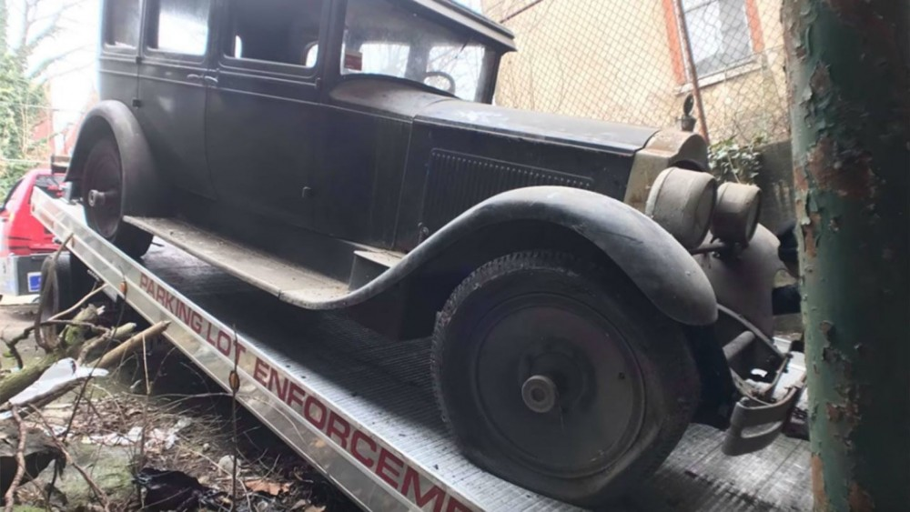 1927 Packard Six Found In Historic Philadelphia Building