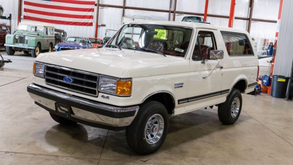 White 1991 Ford Bronco with 29 miles and a heartbreaking history sells for $90G