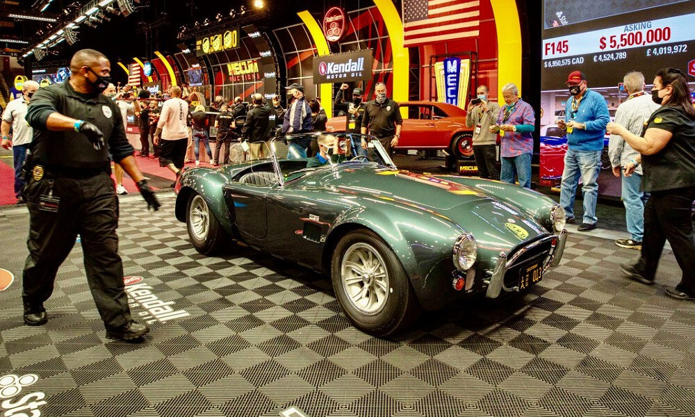 Carroll Shelby's 1965 Shelby 427 Cobra sells for $6M